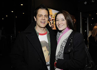 Johnny Knoxville and Naomi