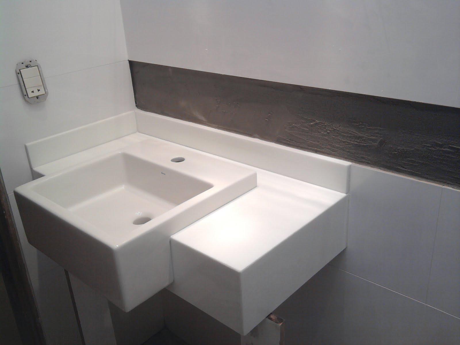 NOSSO PEQUENO AP: Bancadinha do banheiro linda linda #726259 1600x1200 Bancada Banheiro Saia