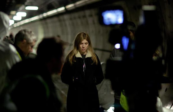 Le Tunnel / The Tunnel - First BTS photo of Clémence Poésy