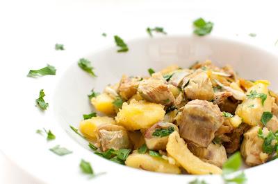 Popečene artičoke s krompirjem