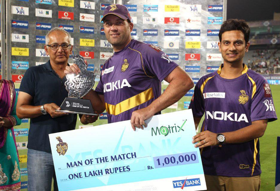 Jacques-Kallis-Man-of-the-Match-KKR-vs-RCB-IPL-2013