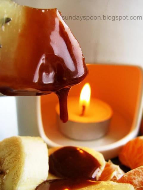 Πανεύκολο φοντύ σοκολάτας-καραμέλας