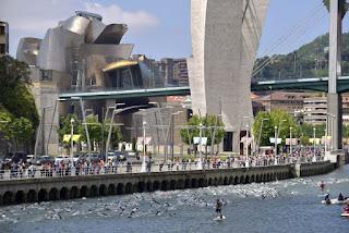 TRIATLÓN - La quinta edición del Bilbao Triathlon tuvo como protagonistas al gallego Gustavo Rodríguez y la vizcaína Gurutze Frades