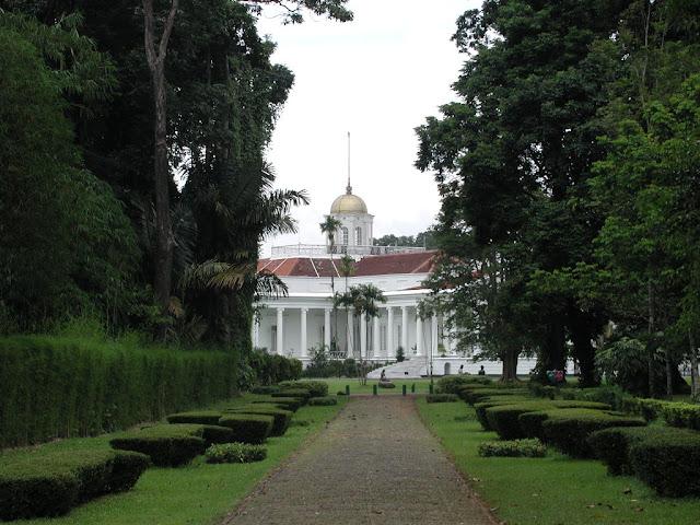 Objek Wisata Kebun Raya Bogor 2