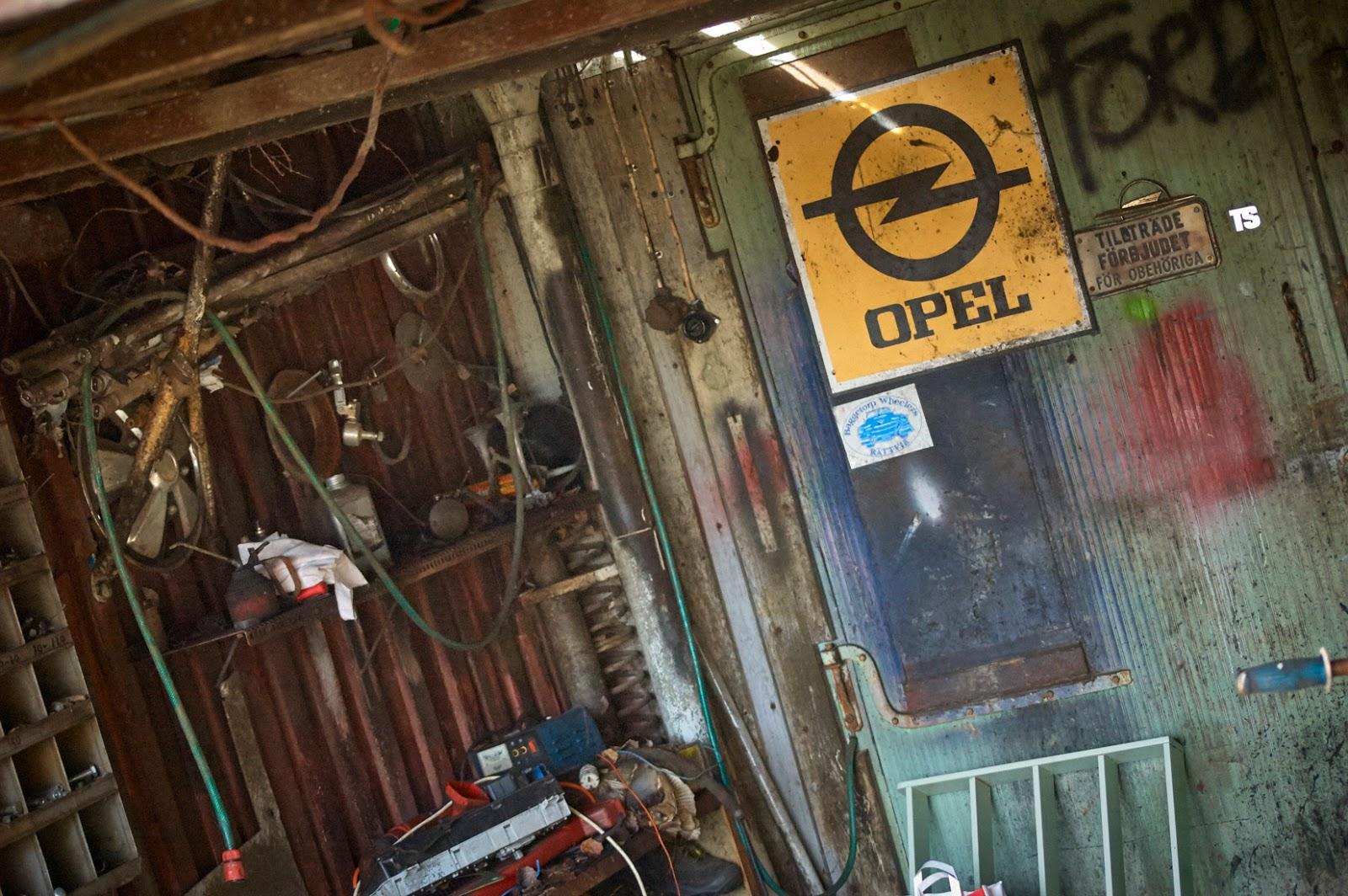 Fredagsbilen mysig tr dg rdsdekoration for Garage opel gard