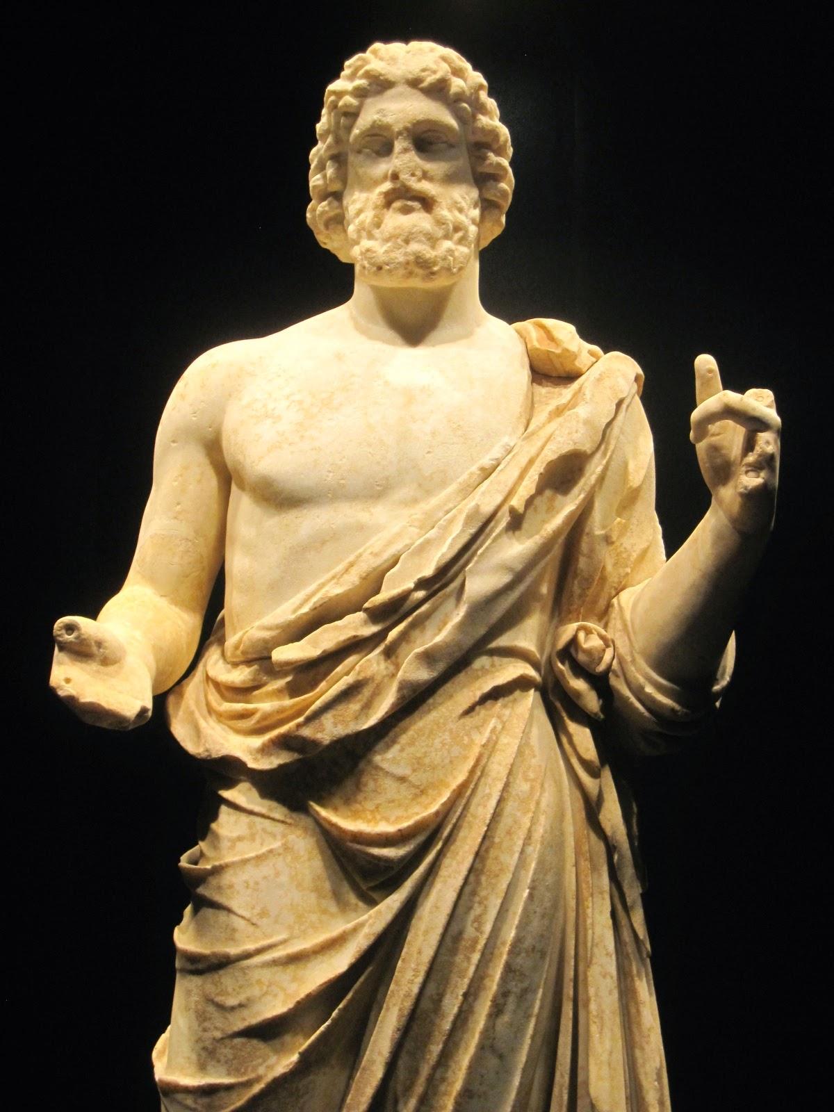 Un dermatólogo en el museo : Esculapio, el dios de Empúries.