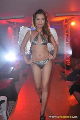 Pesta setengah telanjang di salah satu Discotheque Jakarta