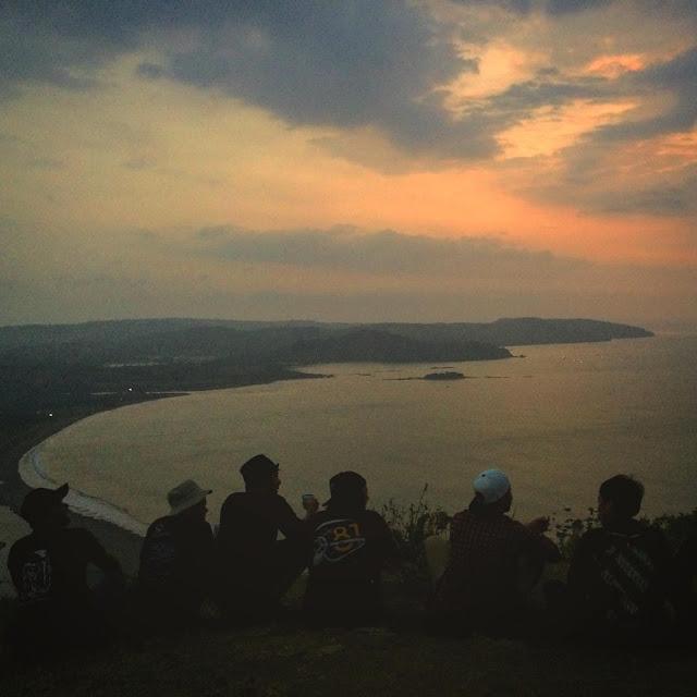 Awas Disini! - Senja di Puncak Darma #Sukabumi