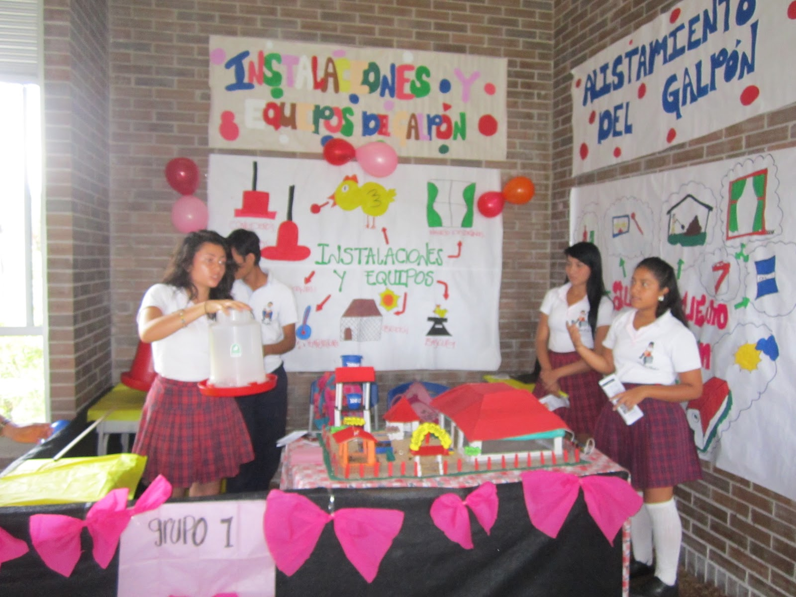 decoracion de stands escolares