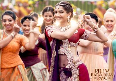 Sonam Kapoor in Red Desiger Saree in Prem Ratan Dhan Payo