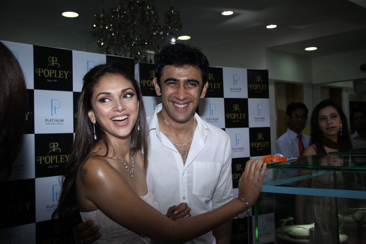 Aditi Rao Hydari and Amit Sadh Launches Popley Jewellery Photos