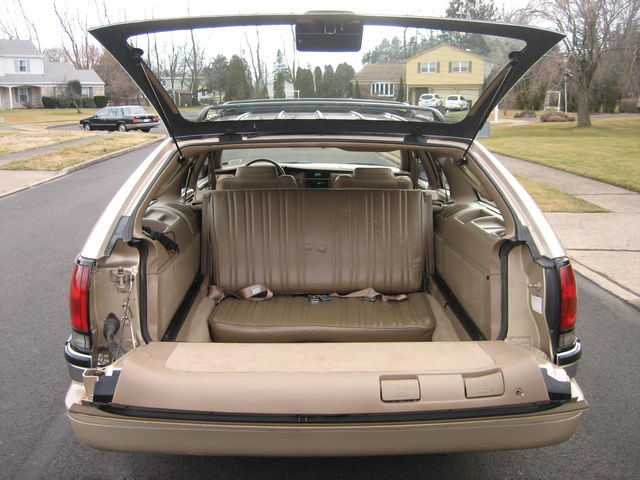 [Imagen: 1996+Roadmaster+3rd+seat.JPG]