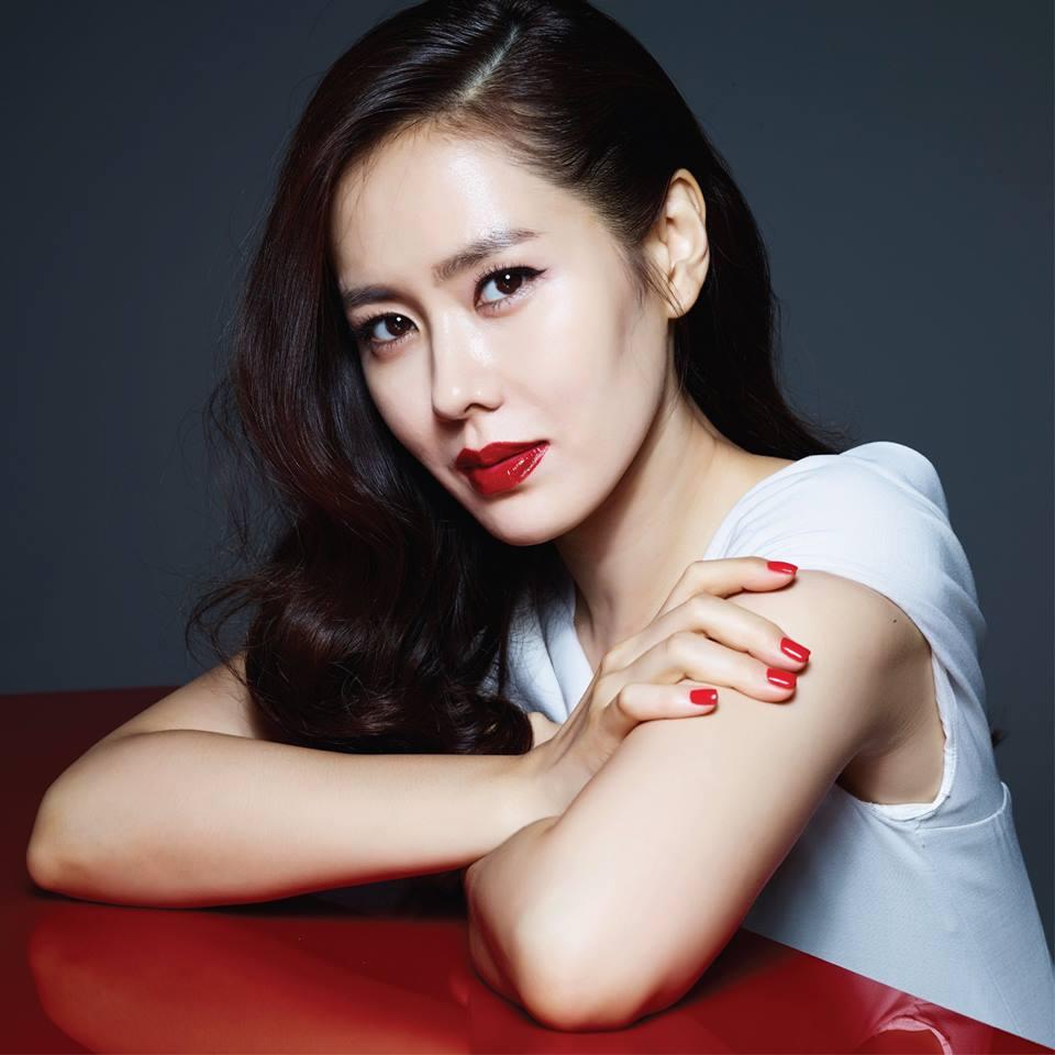 Ye-jin Son Nude Photos 50