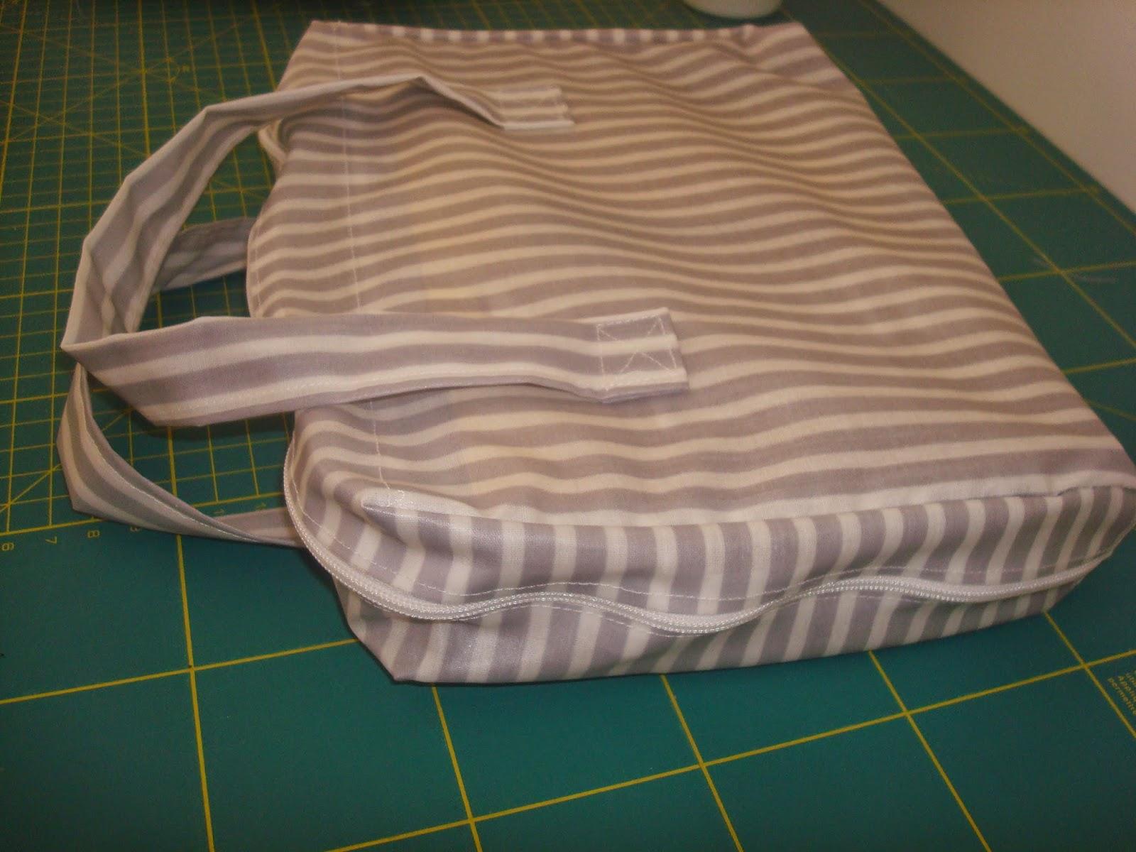 Capa para livro em tecido plastificado
