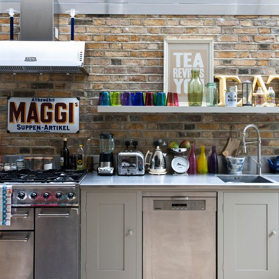 Loft & Cottage: Exposed Brick In The Kitchen