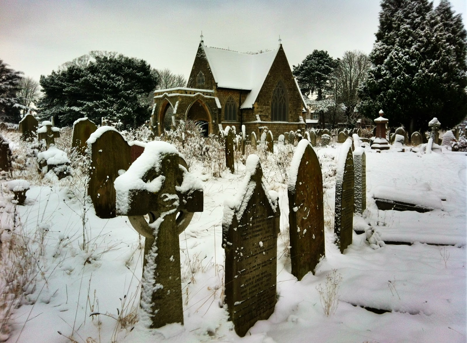 Ladywell Chapel in the snow: Brockley &amp; Ladywell Cemeteries