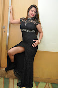 farah khan sizzling photo shoot-thumbnail-2