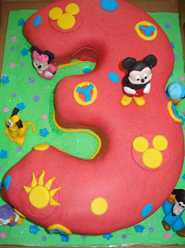Mickey Mouse 3 Cake