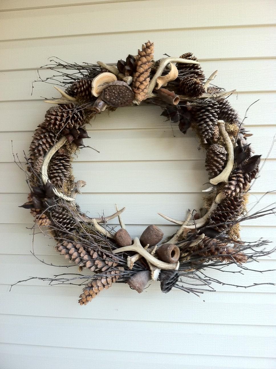 a wee meenit antler wreath