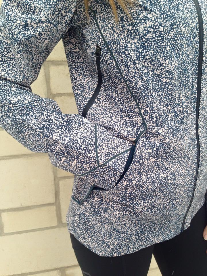 lululemon runaway jacket