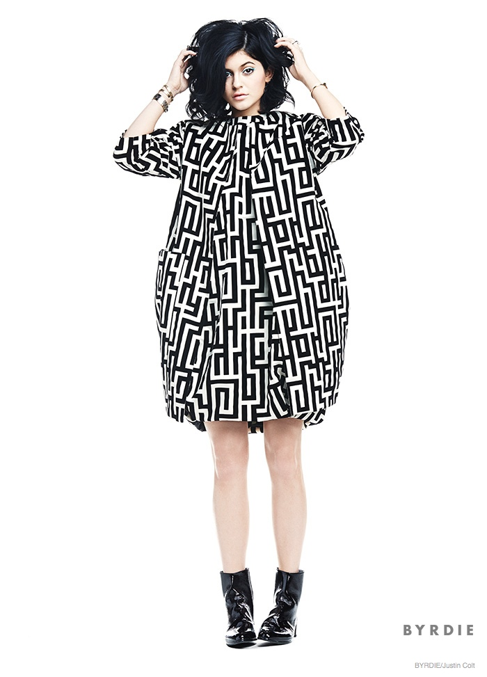 Kylie Jenner wears 60s mod inspired Fall 2014 Make Up Trends for Byrdie