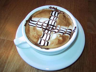 art gallery in a cup of coffee16 Koleksi Gambar Kesenian Corak Air Kopi dalam Gelas