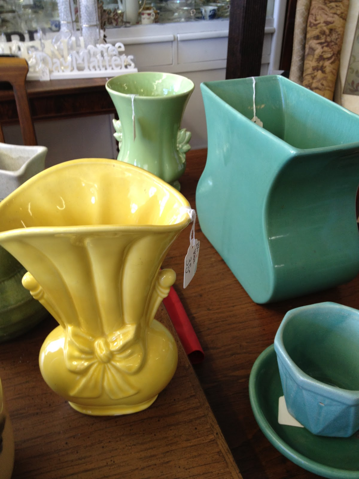 kitsch 39 n stuff decorating with colorful vintage ceramic vases