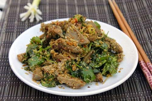Vietnamese Food - Lưỡi Lợn Xào Sả Ớt