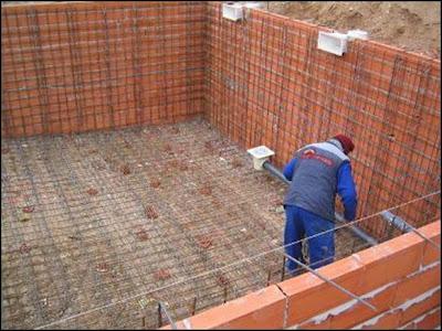El maestro de obras xavier valderas haciendo pavimentos for Como hacer una piscina barata