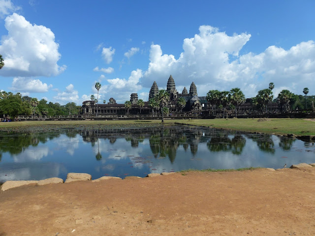 The Angkor Wat Khmer is the largest religious monument in the world