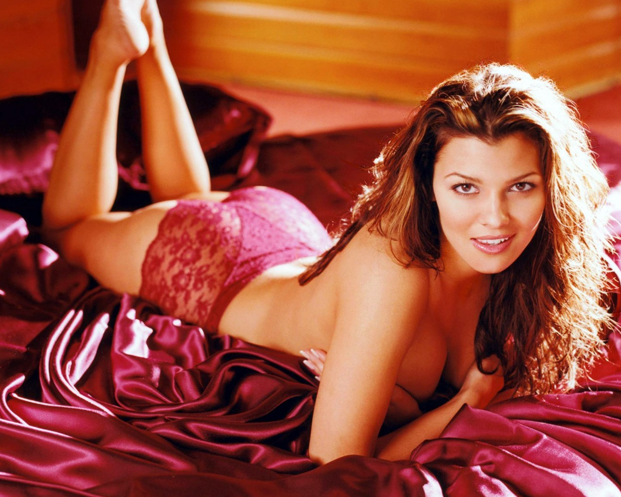 Related pictures famous landry allbright - Ali Landry 1280 X 1024 Wallpaper