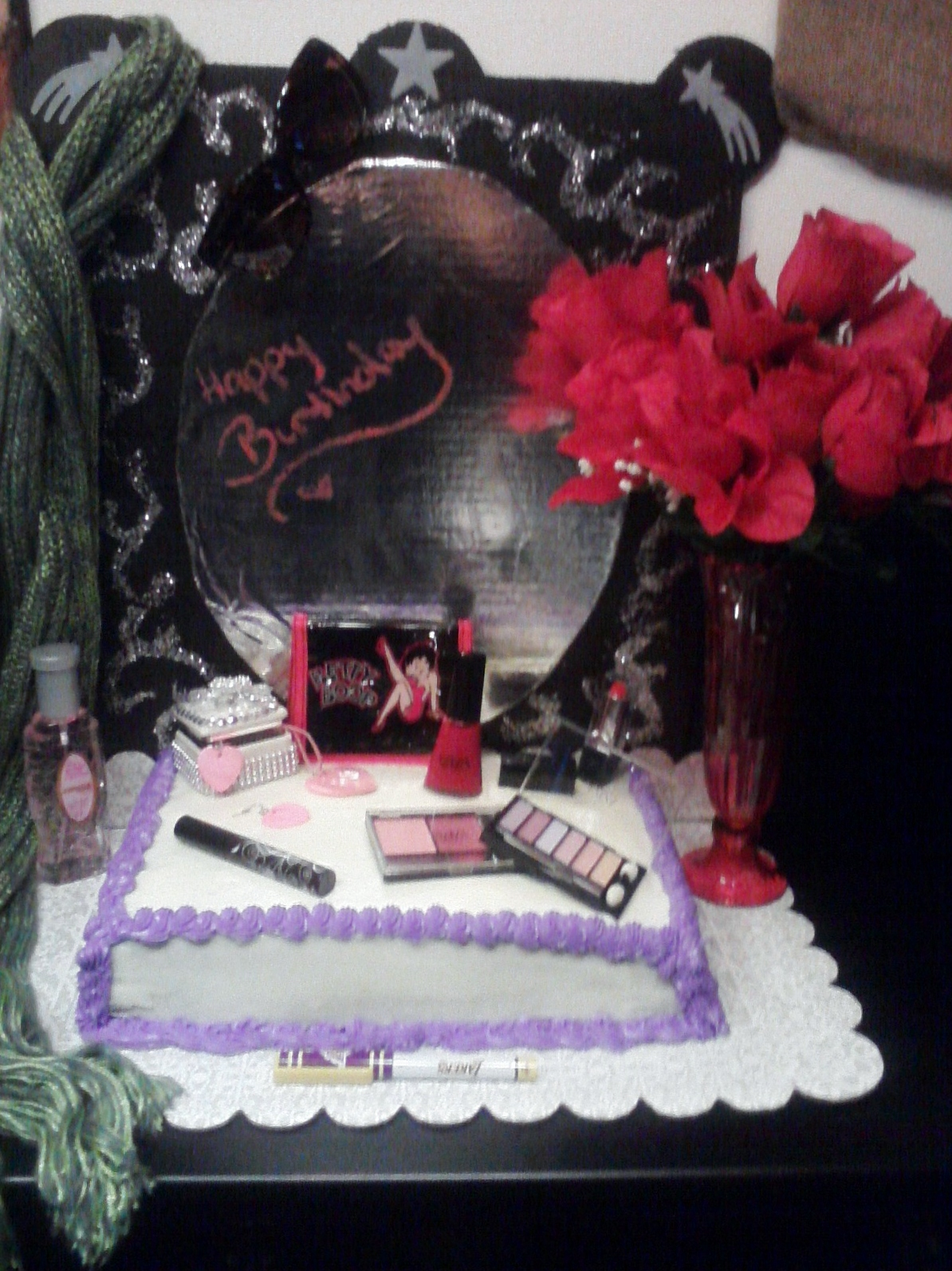 Big Bettie cakes: Betty Boop Vanity & Makeup Cake