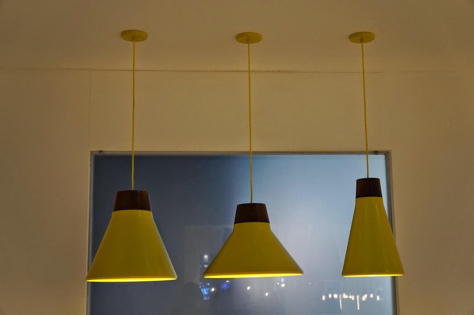 trio de pendentes amarelos - Dimlux - Expolux 2014