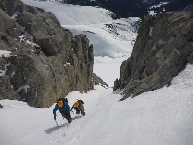 Pirineos:Refugio de Lizara-Pico Bernera