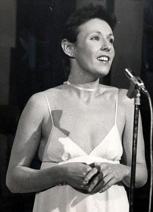 Julie Covington While The Music Lasts