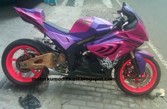 refrensi tampilan modifikasi ninja 4 tak/ ninja 250cc warna ungu title=