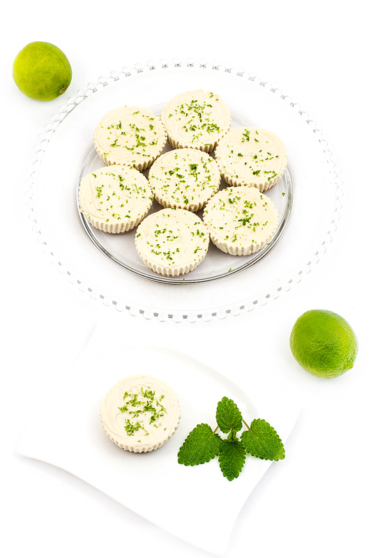 Mini raw lime cakes