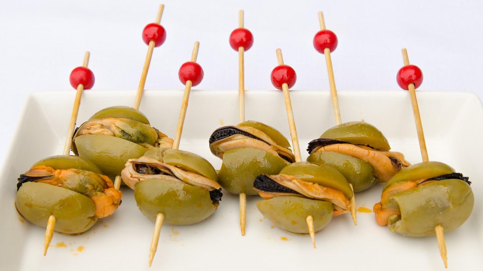 banderillas-aceitunas-mejillones-pica-pica-tapas-aperitivo-receta-bruja