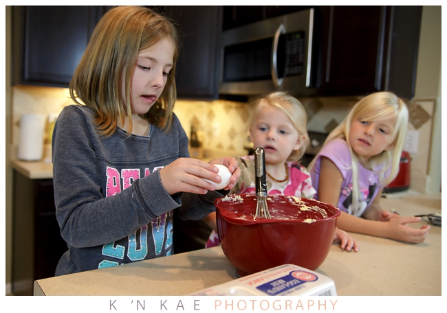 cake pops, cakepop, cake pop, baking with kids, first time bake off, lifestyle session, day in the life, colorado springs, photography session, k 'n kae photography baking