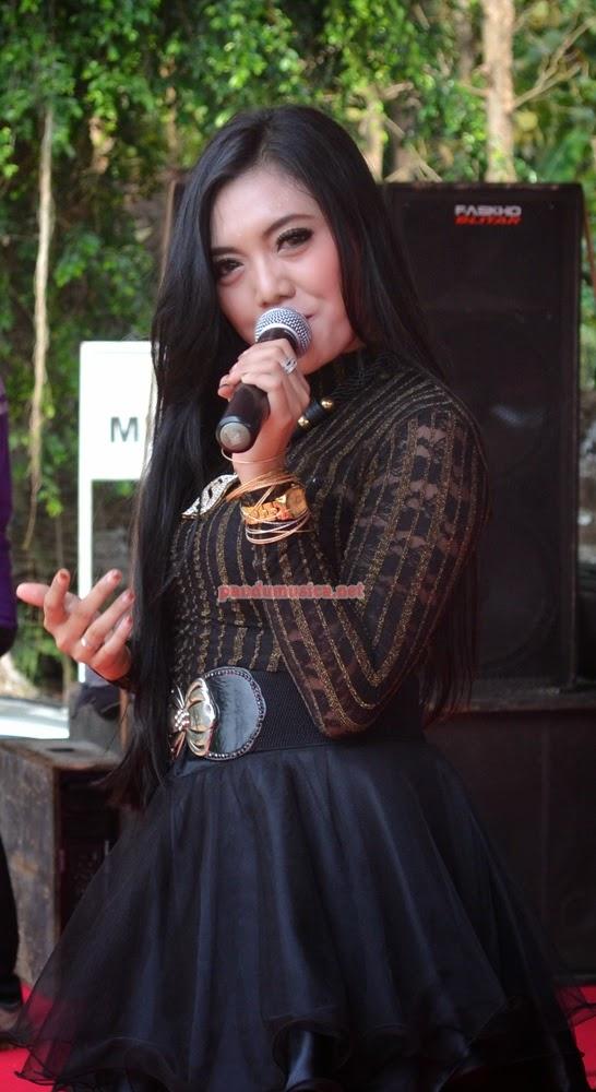 Mendem Kangen – Deviana Safara – OM Angling Darma Live Tulungagung 2014