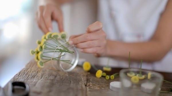 Le frufr centrotavola con candele e fiori - Centro tavola con candele ...
