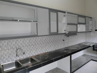 furniture semarang - kitchen set minimalis pintu kaca engsel hidrolis 04