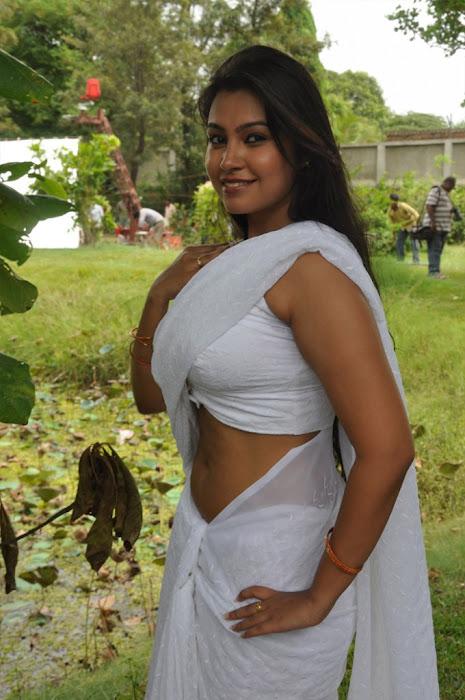 movie sathya sai glamour  images
