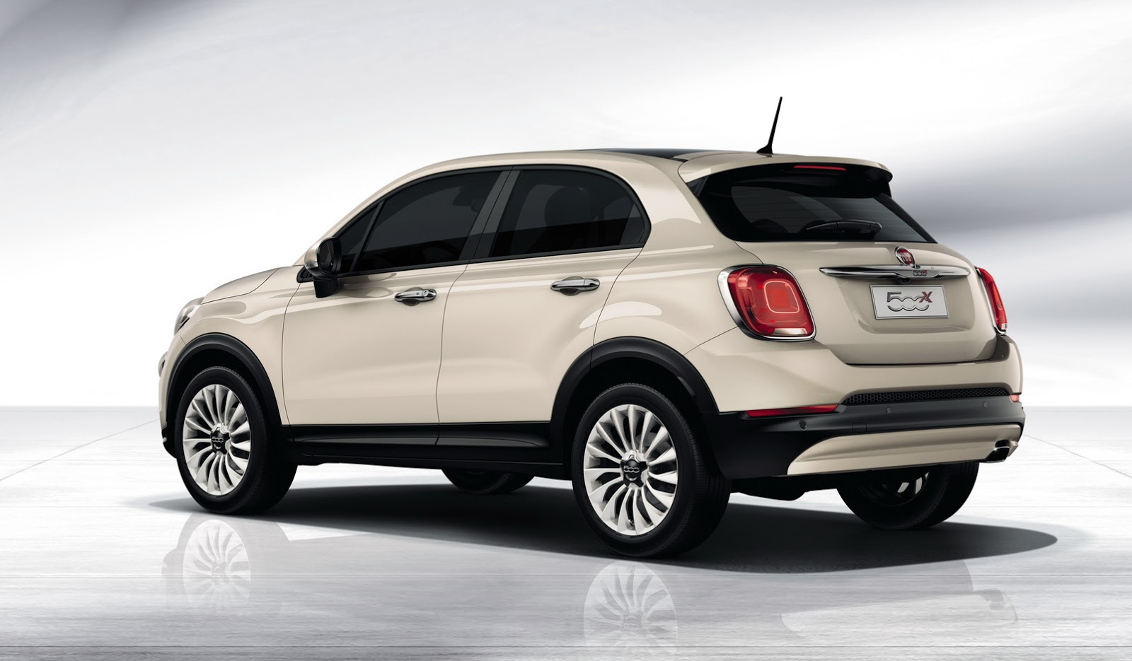 fiat 39 s 500x small crossover revealed will be sold in u s. Black Bedroom Furniture Sets. Home Design Ideas