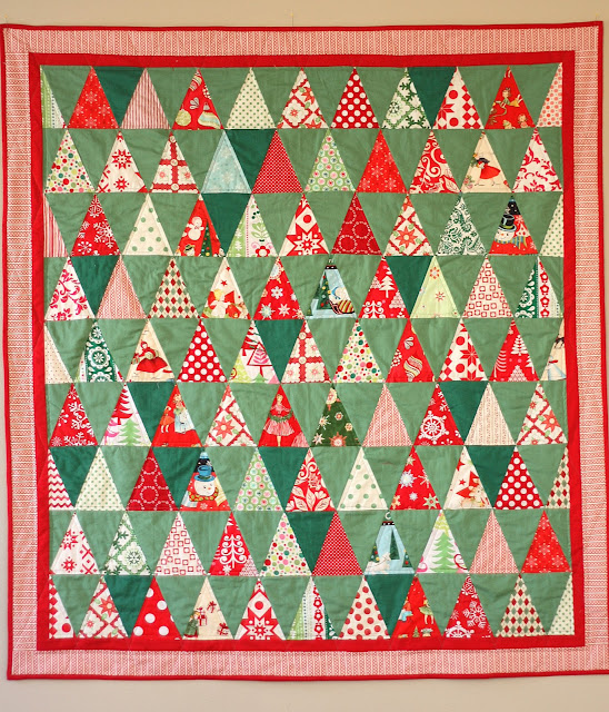 Kitschy christmas quilt diary of a quilter a quilt blog