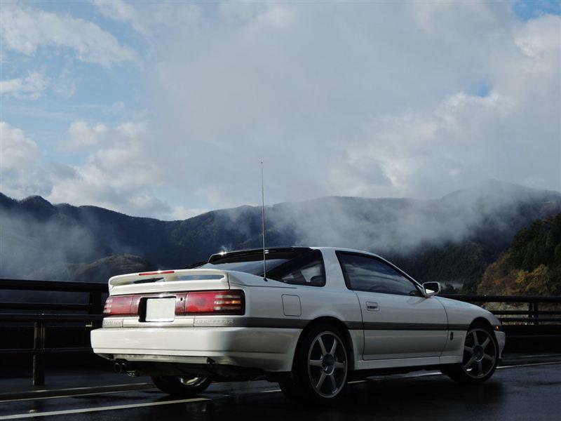 Toyota Supra III, MK3, A70, 1JZ, 7M, RWD, japońskie coupe, kultowy samochód, rasowe auto, tył, biały, fotki