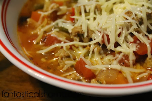 Stuffed Pepper Soup | Delicious, hearty soup with turkey sausage and sweet bell peppers. #recipe