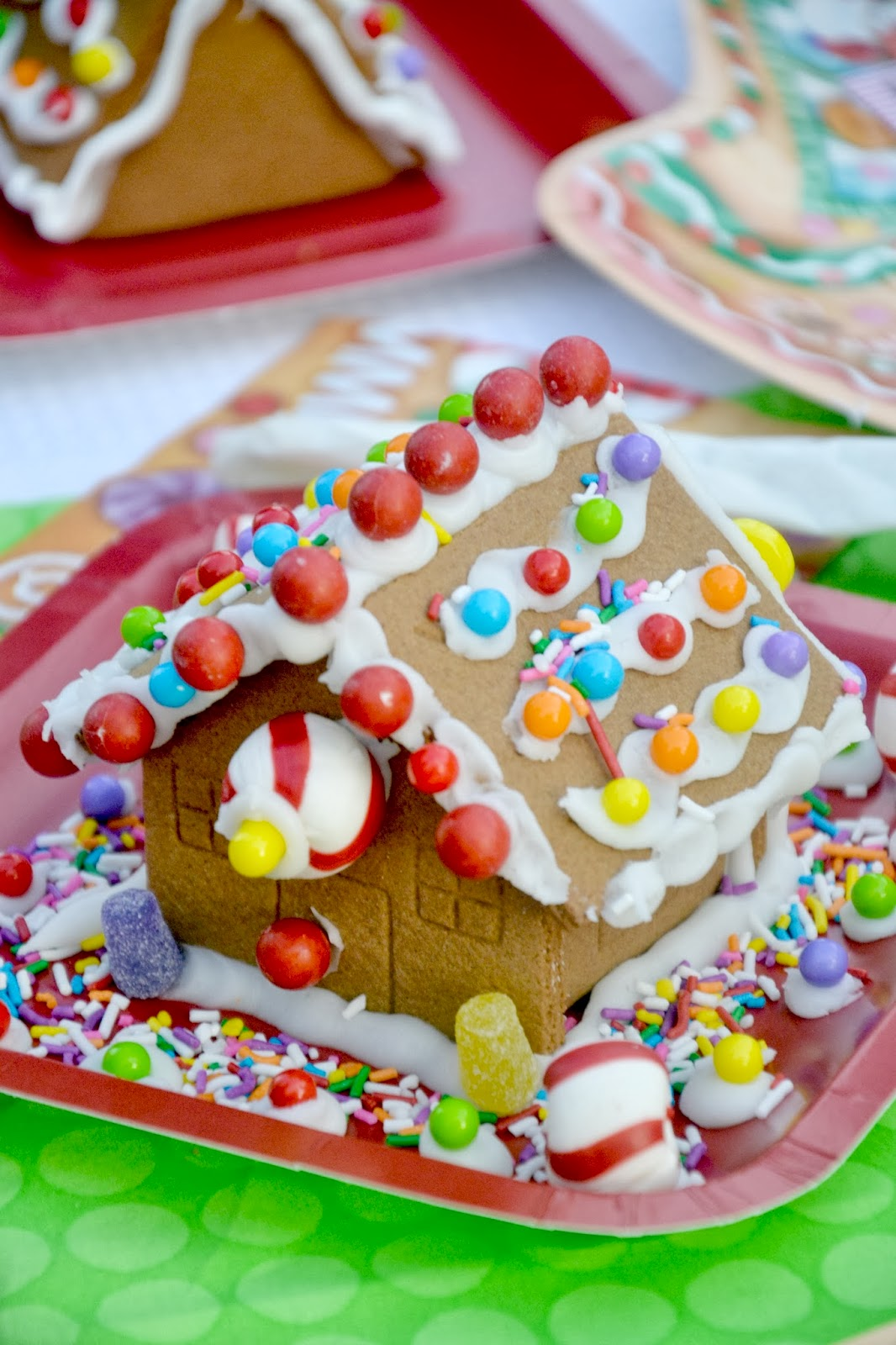Crissy 39 s crafts gingerbread house party for Gingerbread decorations