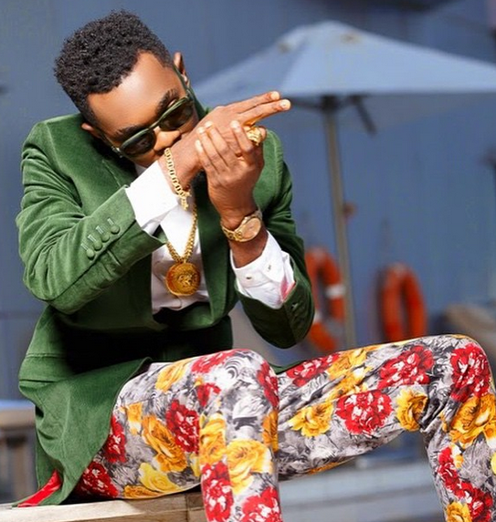 Music Celebrity Patoranking once sold Rat poison in Lagos traffic