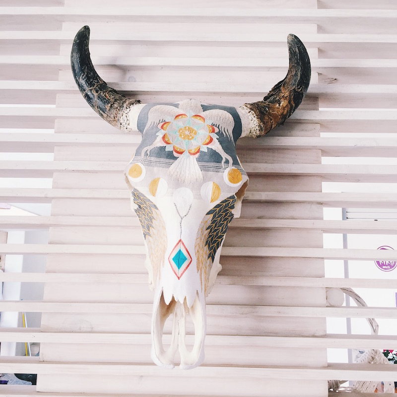 Must see places in Sayulita, Mexico. Beach outfit and tropical travel packing essentials. Evoke The Spirit longhorn skull DIY decoration, beautiful